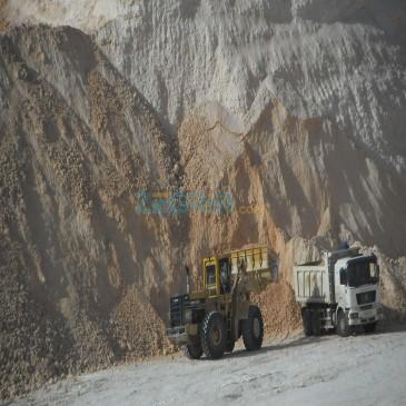 Extraction, transport et vente de tuf